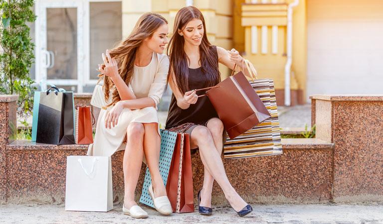 Del Monte Shopping Center in California