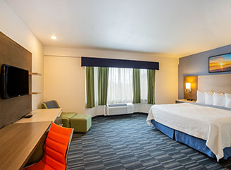 Rooms at Montery Days inn