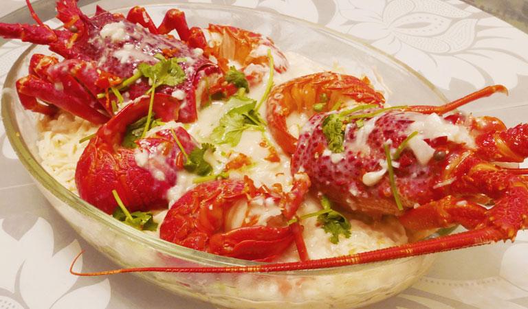 Bubba Gump Shrimp Company at Days Inn Monterey Downtown
