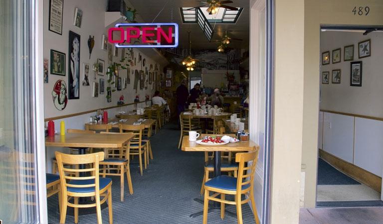 Old Monterey Café at California Hotel